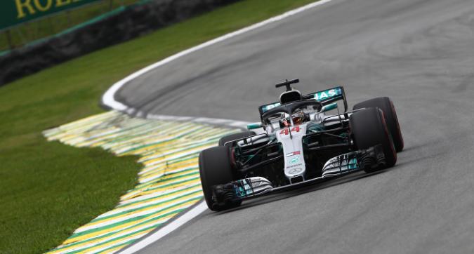Lewis Hamilton pole in Brasile
